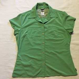 The North Face Short sleeve button up shirt size M